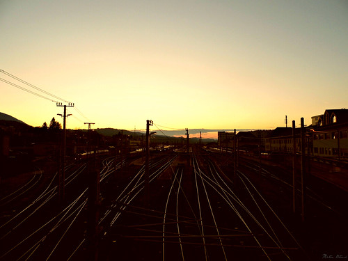 sunset lumix austria europa panasonic trainstation öbb ausztria dmc morningsun villach karinthia karintia karnten lz20 össtereich villachhauptbahnhof