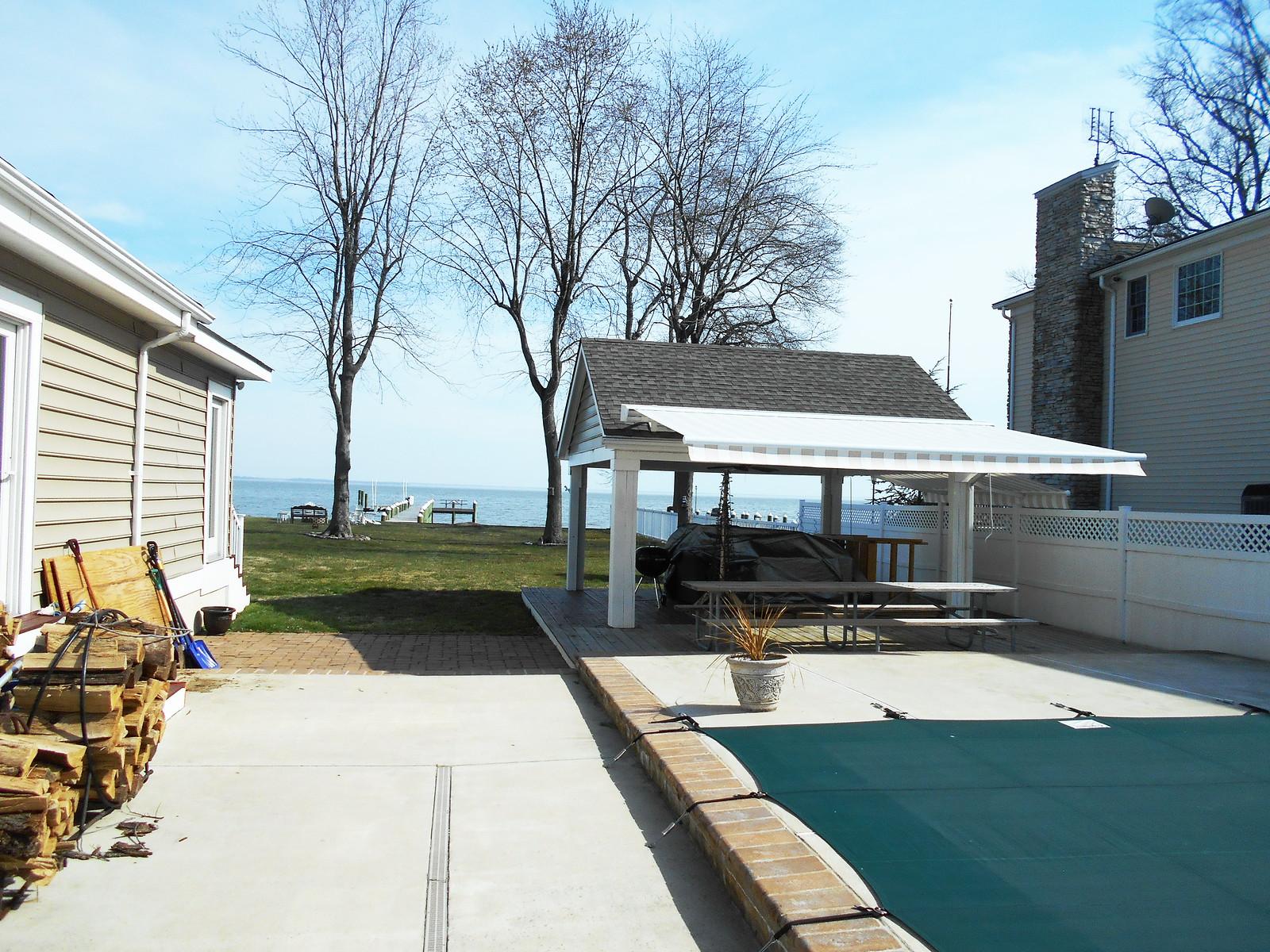 Retractable Awning - Pool Cabana