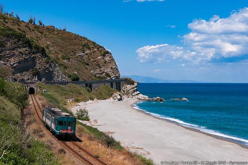 ic treno calabria fs intercity trenitalia ferrovia treni ferrovie jonica jonio ferroviedellostato aln668 aln6681084