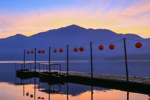 日月潭 蔣公碼頭 日出 火燒雲 dawn sunrise lake taiwan 南投
