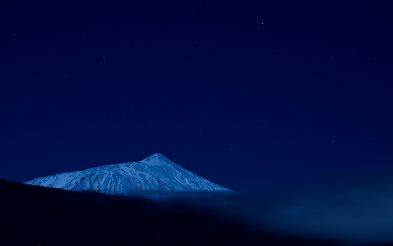 Pico del Teide with snow by night