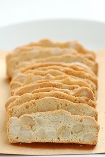 maccadamia bread