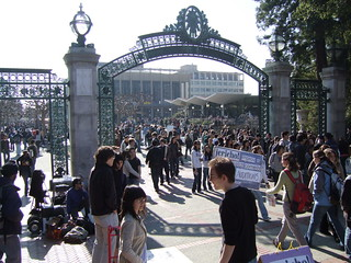 Tons o' people near Sather Gate | by joebeone