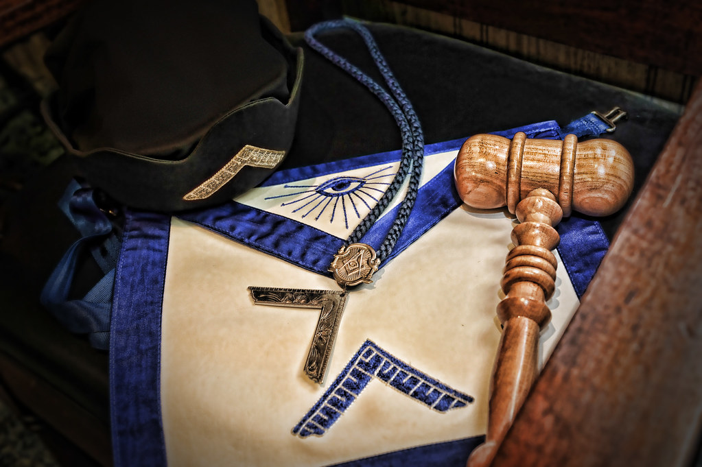 Worshipful Master | The hat, jewel, apron and gavel of the M