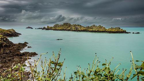 sea mer roc island nikon ile bretagne bleu lumiere pointe rocher manche cancale grouin d3200