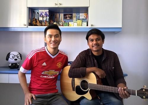 Beginner guitar lessons Singapore Azri