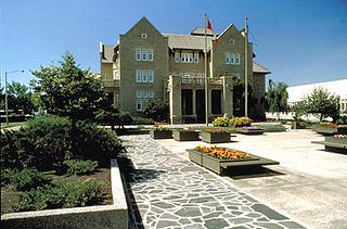 government-house-alberta-garden