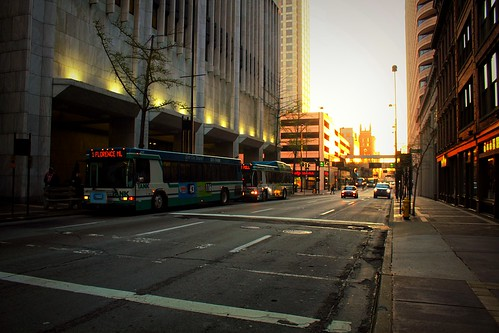 iphoneedit handyphoto jamiesmed app snapseed 2016 bus sunrise rebel sky geotagged geotag skies sun facebook hamiltoncounty cincinnati ohio midwest canon eos dslr 500d t1i march streetphotography downtown spring city clermontcounty queencity cityscape street photography scape