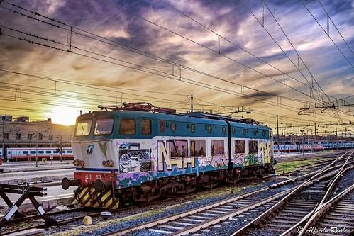 sky clouds train sunrise fuji fujifilm treno ferrovia locomotiva motrice x100t