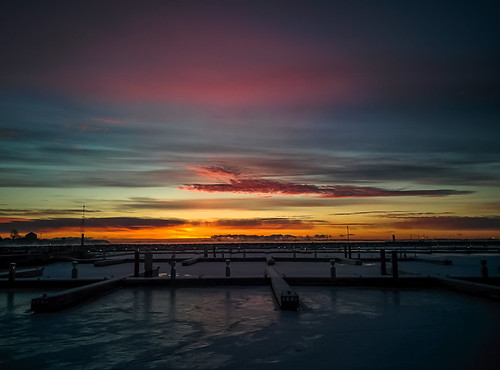 ice water sunrise waterfront kingston