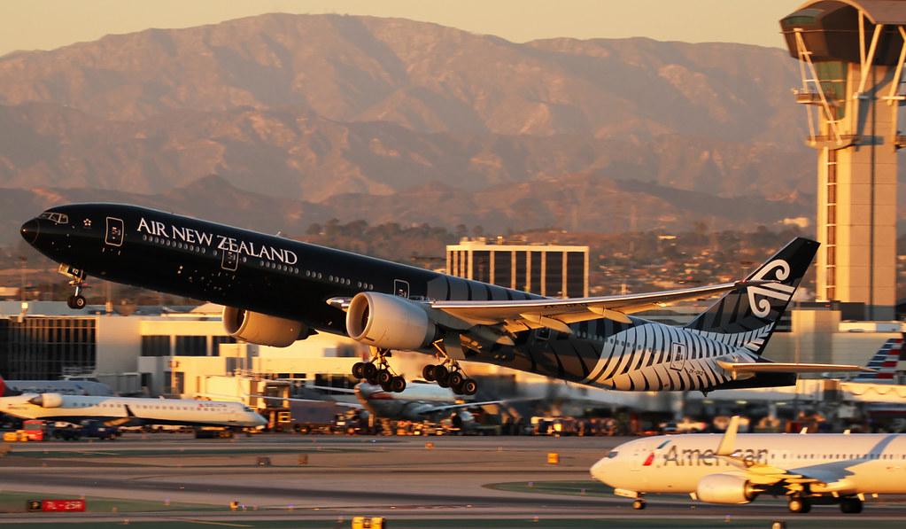 Air New Zealand 777 All blacks