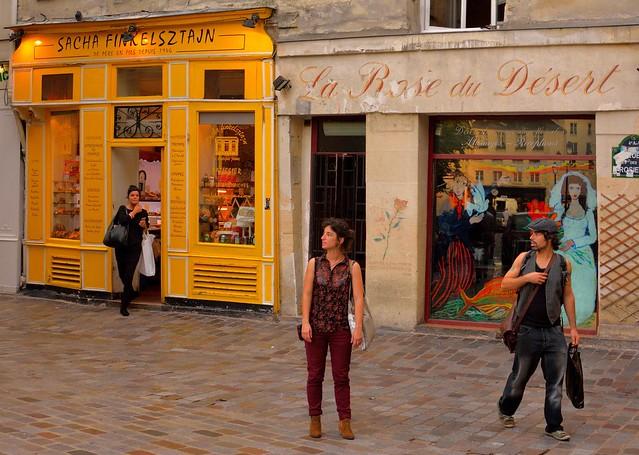 Paris : Rue de Rosiers / Sacha Finkelsztajn - La Rose du Désert