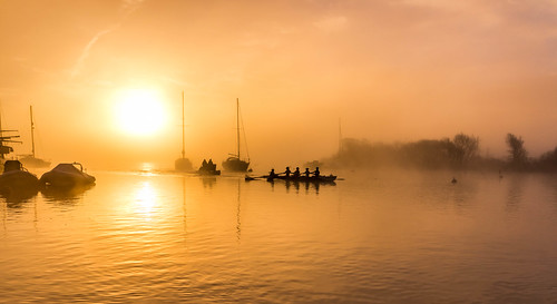 fog sunrise nature gb christchurch boats river art winter feb dawn orange harbour 2016 outdoor unitedkingdom rowing rowers sonyalpha morning contrast yellow mist yacht sun day sony trip bay explored orangesunrise light sunlight weather bright paisajes christchurchquay anthonywhitesphotography