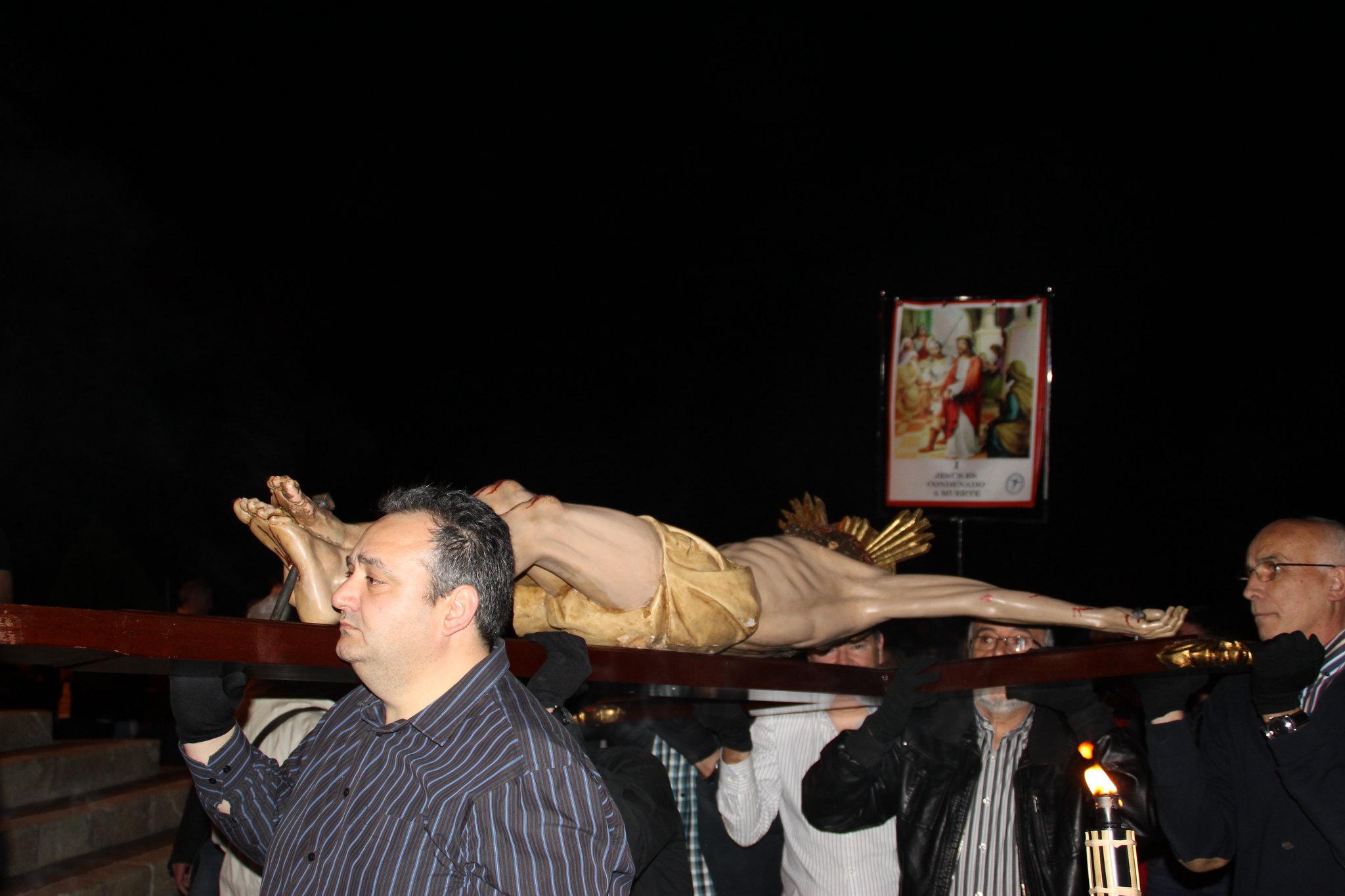(2014-04-01) -  V Vía Crucis nocturno - Javier Romero Ripoll (12)