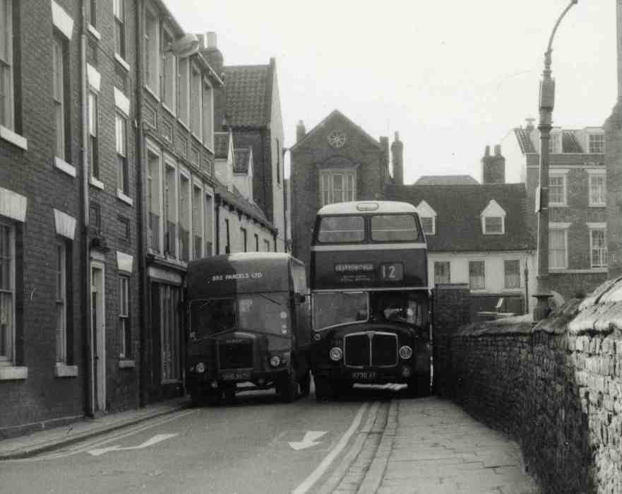 Traffic jam, Hengate, Beverley 1950 (archive ref DDX1525-1-3 No 54)