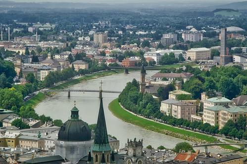 city urban panorama salzburg water architecture river austria österreich europa europe minolta roofs 7d konica dynax dslr overview salzach hohensalzburg