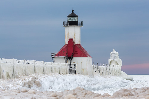 usa lighthouse snow cold ice mi landscape frozen us scary gloomy unitedstates michigan ominous freezing stjoseph lakemichigan adventure icicle iceberg polar icy stark icicles lakefront saintjoseph icey adventurous tiscornia saintjosephriver tiscorniapark hanusiak polarvortex