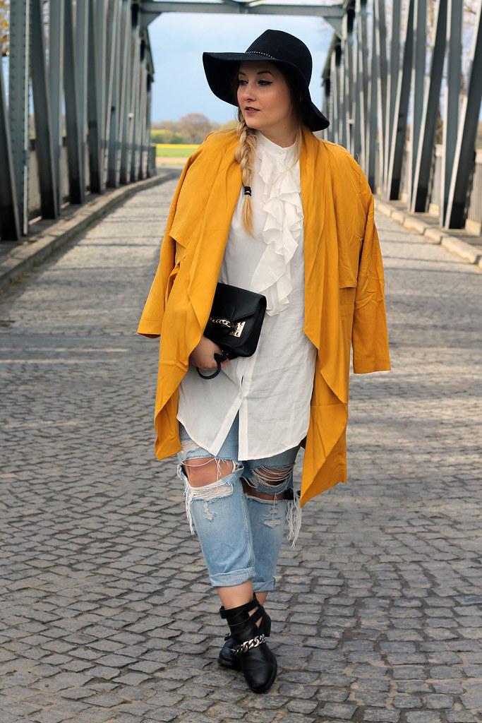 new concept 9e761 2f4aa outfit-modeblog-topshop-jeans-boyfriend-boots-zara-mantel ...