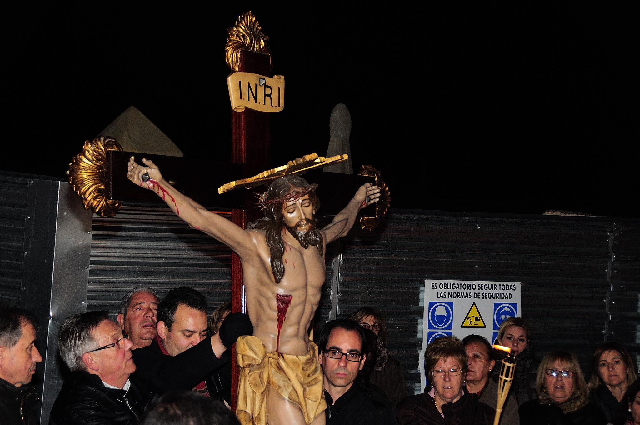 (2013-03-22) - IV Vía Crucis nocturno - Abraham de la Rosa (08)