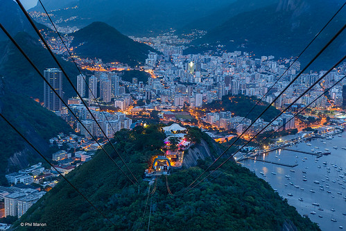 Cablecar ride to Sugarloaf Mountain (Pao de Acucar) after dusk | by Phil Marion (184 million views - THANKS)