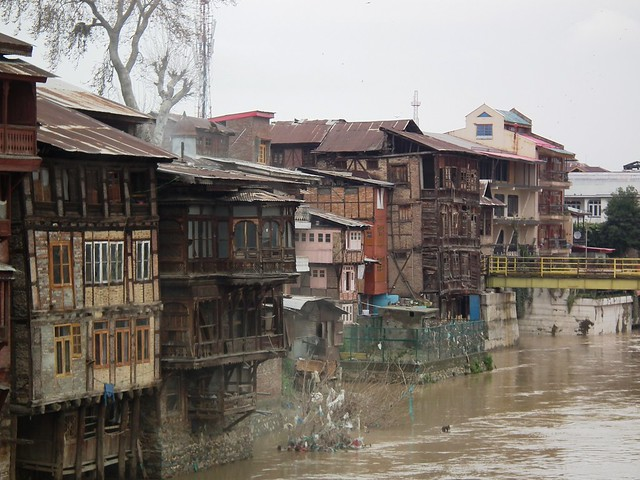 DSCF3855 Old Srinagar and the Jhelum River