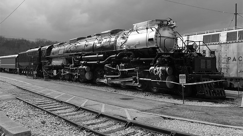 844steamtrain up union pacific big boy 4006 steam locomotive engine train railroad railway science technology history canon powershot sx40 hs digital video camera travel tourism adventure events photography transportation flickr flickrelite freight black white photo cliche saturday hdr 4884 alco metal machine museum landmark america biggest largest heaviest most popular favorite favorited views viewed redbubble youtube google trending relevant