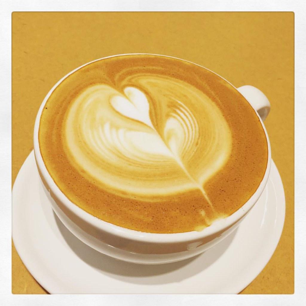 【Blue Bottle Coffee〜Latte Art〜】 新宿ニューマンのブルーボトルコーヒーに初めて来ました