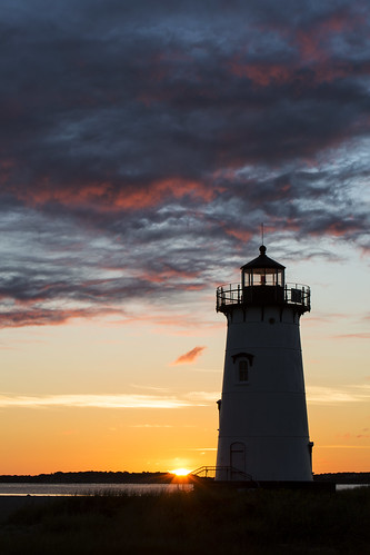 lighthouse sunrise ma massachusetts newengland marthasvineyard edgartown
