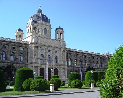 Museu de História Natural, visto da Praça Maria Teresa