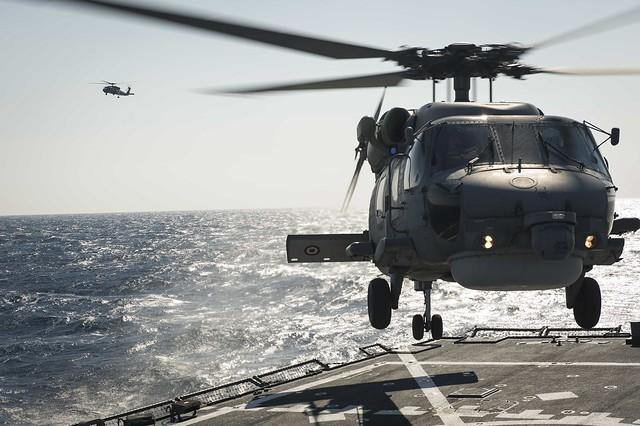 A Turkish Navy S-70B Seahawk lands aboard USS Porter.