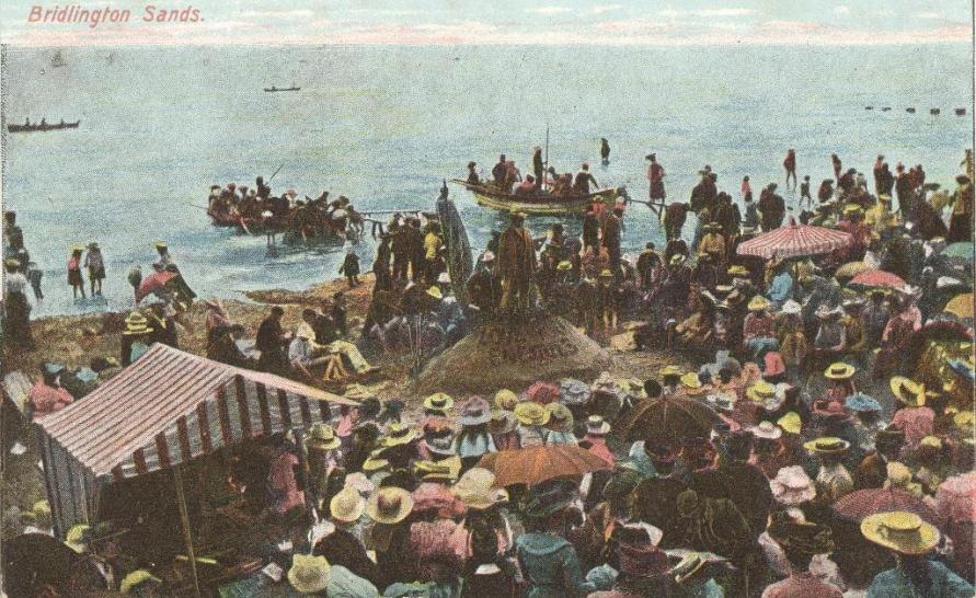 Bridlington Sands with open-air service 1900 (archive ref PO-1-20-106)