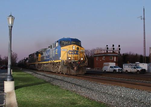 railroad ohio train bluehour ge freight unit csx berea 421 csxt ac4400cw ethanoltrain bereatower k678 csxt421 csx421