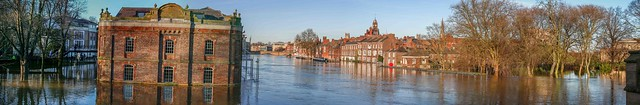 York - River Ouse in flood, December 2015 - panorama