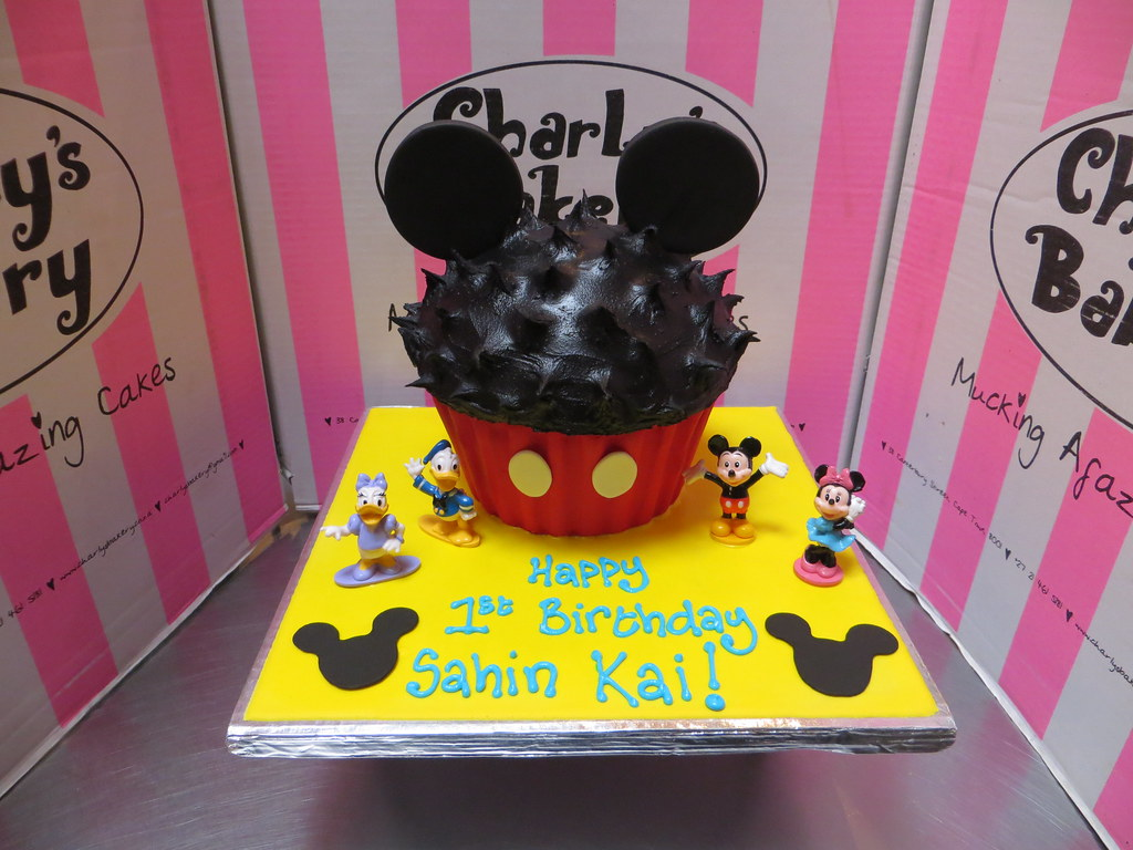 Wondrous Mickey Mouse Themed Giant Cupcake Shaped Cake With Plast Flickr Personalised Birthday Cards Sponlily Jamesorg