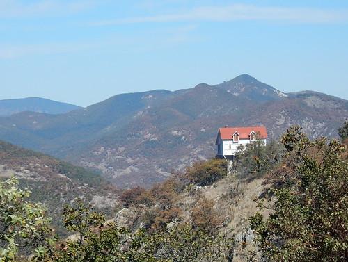 Onderweg naar Dolores Hidalgo - huisje op berg