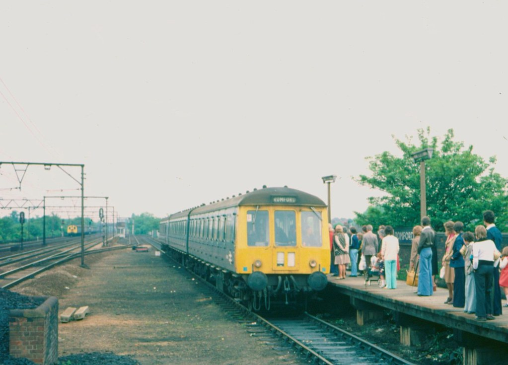 26035436104 bbd94db472 b - The Romford to Upminster Line