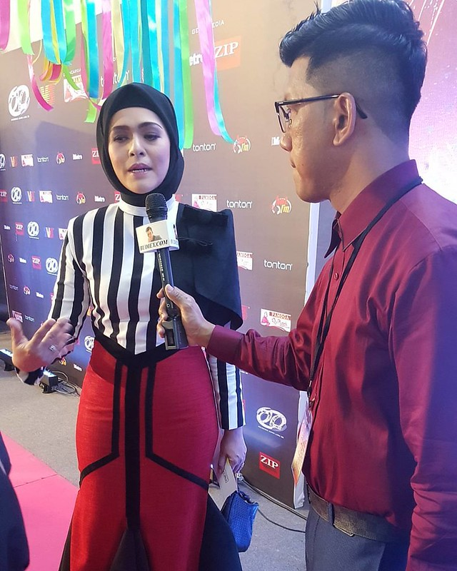 #Liveupdate : Sharifah Zarina di Karpet Merah Anugerah Juara Lagu Ke-30.  #AJL30 #budieyators #budieydotcom #sensasiselebriti #eddthebarber #celebration #budiey #budieyatwork