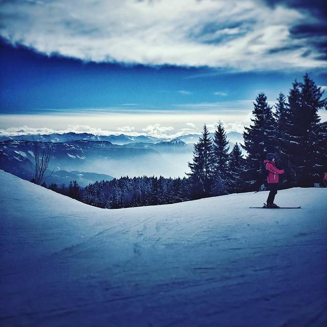 Touching the sky #ski #snow #mountain #sky #cloud #instagood #alpes #feclaz #savoie #neige #glisse