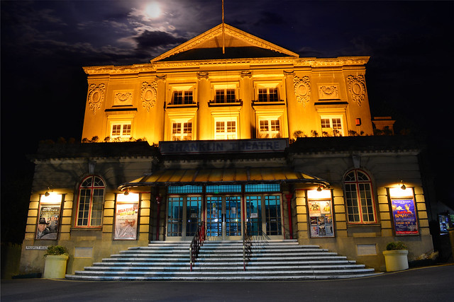Shanklin Theatre and The Moon