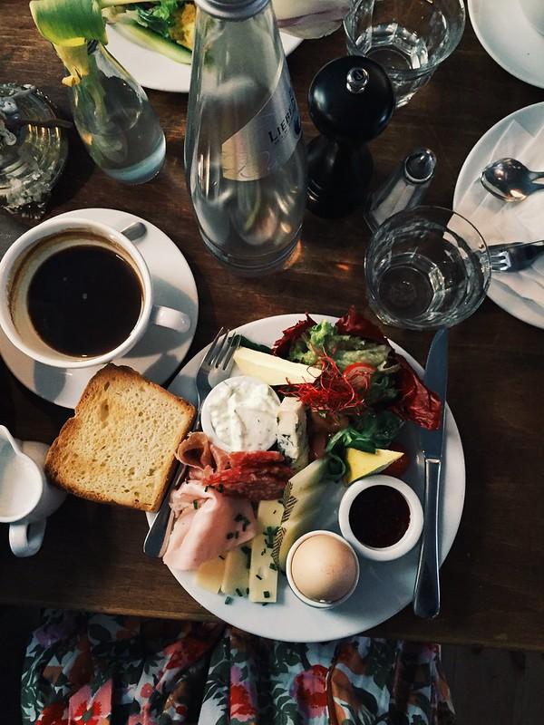 Fellfisch breakfast, Berlin