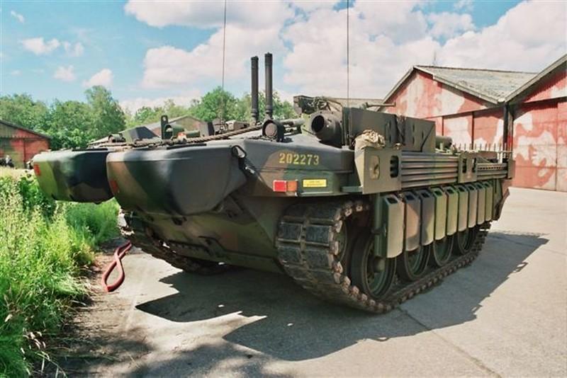 STRV-103C 5