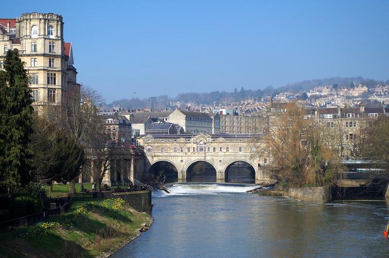 Puente sobre el río Avon copia del Ponte Vecchio de Florencia IMGP6704