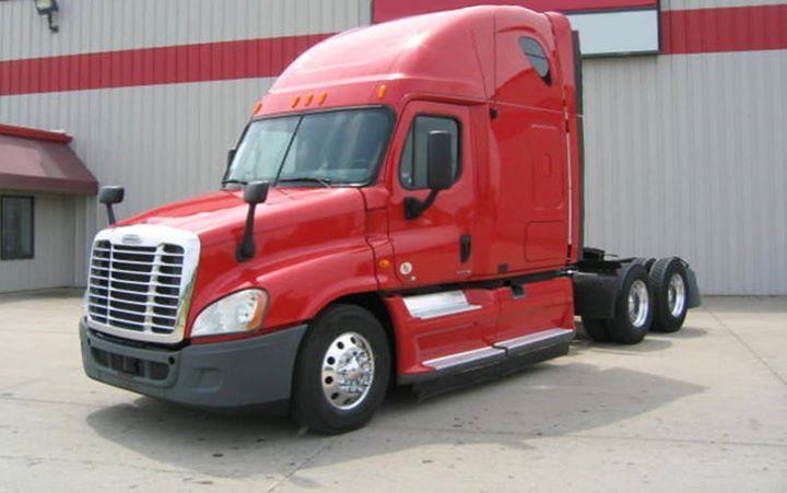 2012 Freightliner Cascadia ~ Cummins ISX 450 HP ~ 10 Speed