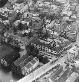 Flyfoto over Folkets Hus / Admiral der norwegischen Nordküste (1945)