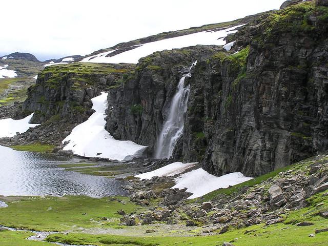 Waterval langs de Snovegen