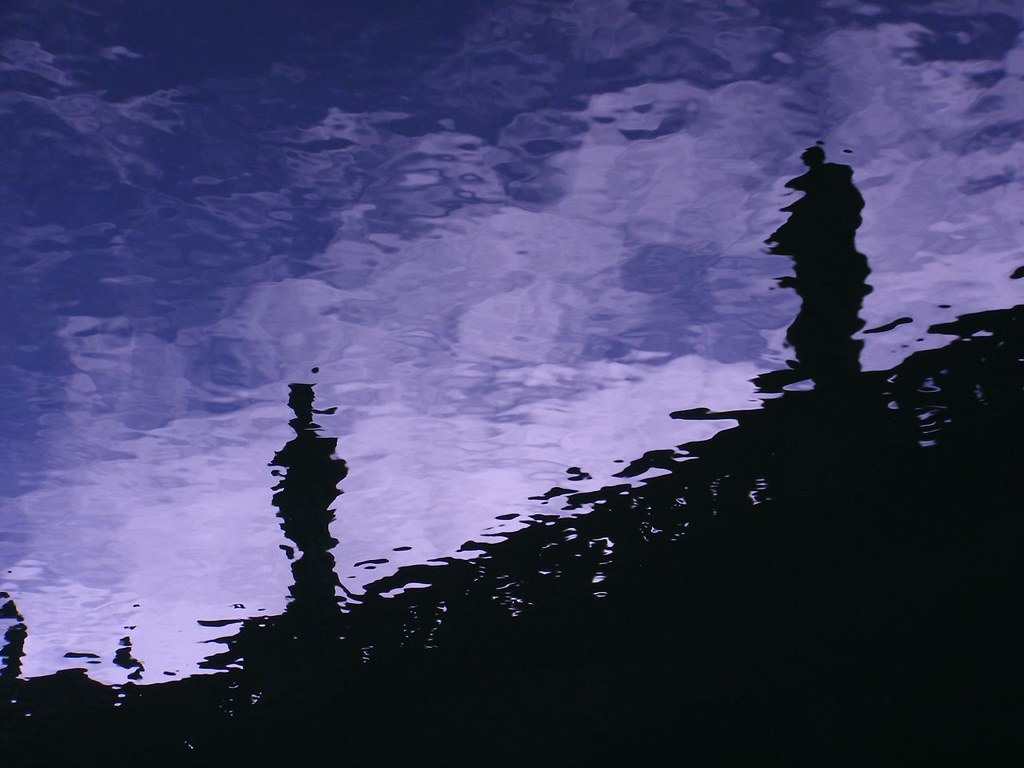 Roman Reflections 1 - Reflection of statues around the Roman… - Flickr
