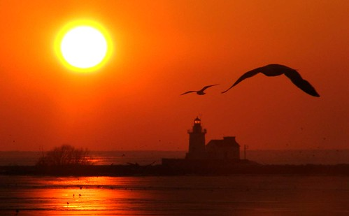 sunset ohio lighthouse lakeerie cleveland greatlakes anawesomeshot