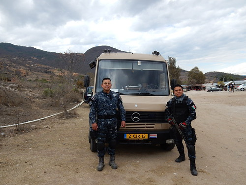 Hierve el Agua - agenten met de bus