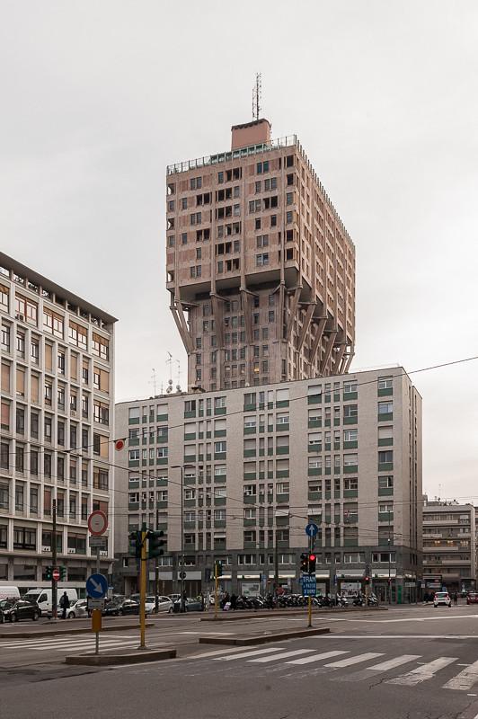 Torre Velasca, Milano   Milano, piazza Velasca, Torre