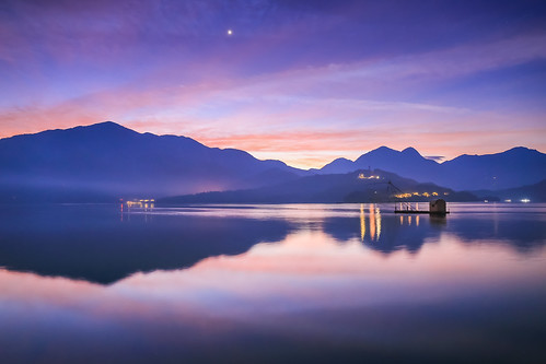 日月潭 日出 四手網船 倒影 sunrise lake reflection boat dawn 6d canon taiwan 南投